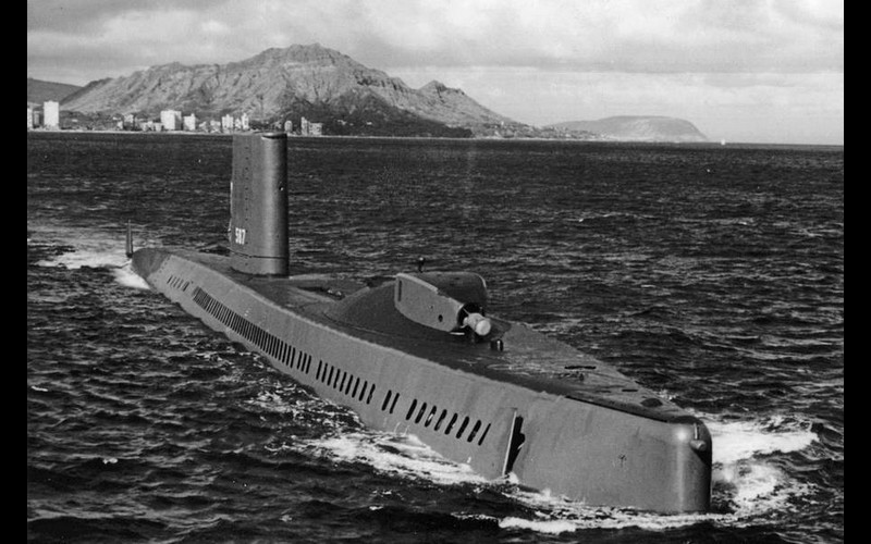 USS Halibut (SSGN 587) with bow thruster