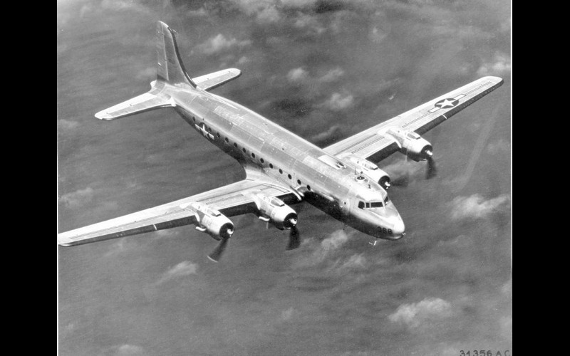 A Douglas C-54 then flew the American and Japanese delegates to Manila