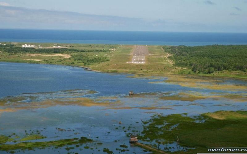 Toro, Karafuto Is. - Later Shakhtyorsk, Sakhalin Is.- Final Approach to runway 34