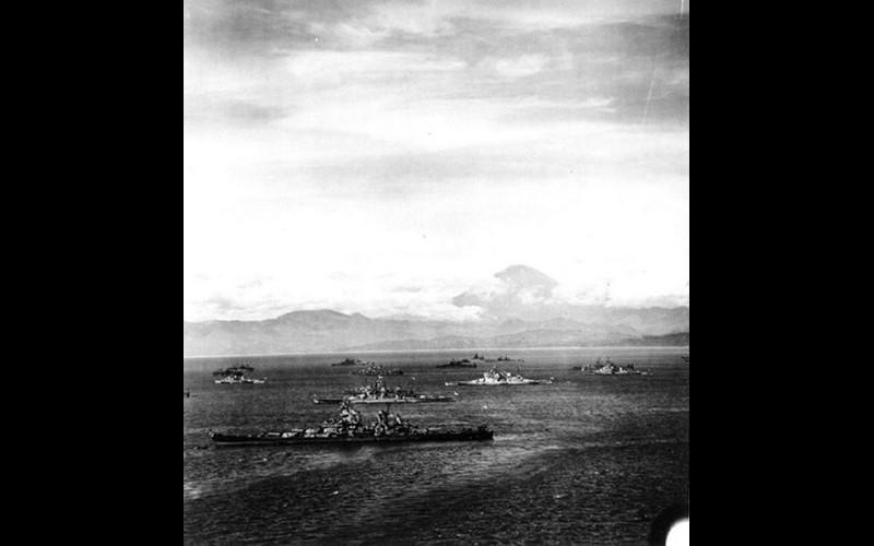 Allied fleet at anchor in Tokyo Bay