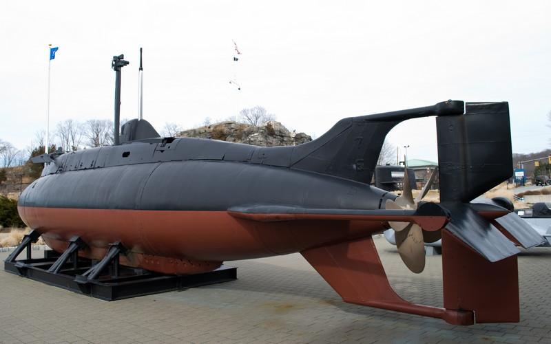 Brad - Quarter view of USS X 1, predecessor to fictitious X 3.